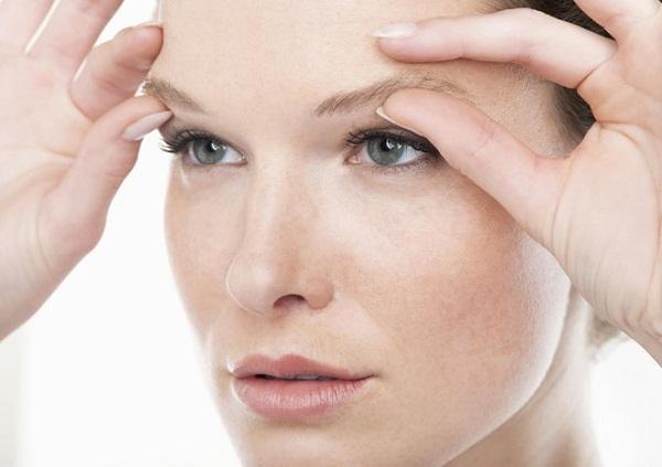 Những thói quen, sai lầm gây nguy hại đến mắt